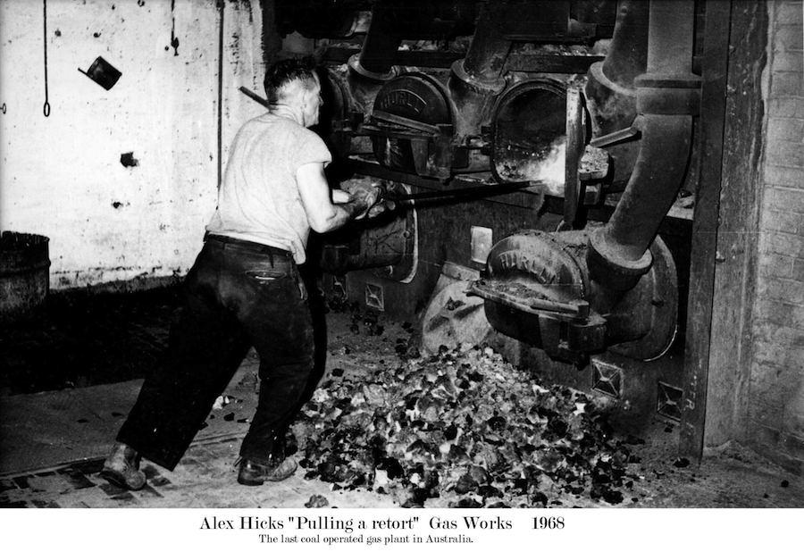 1968 Gasworks Pulling a Retort