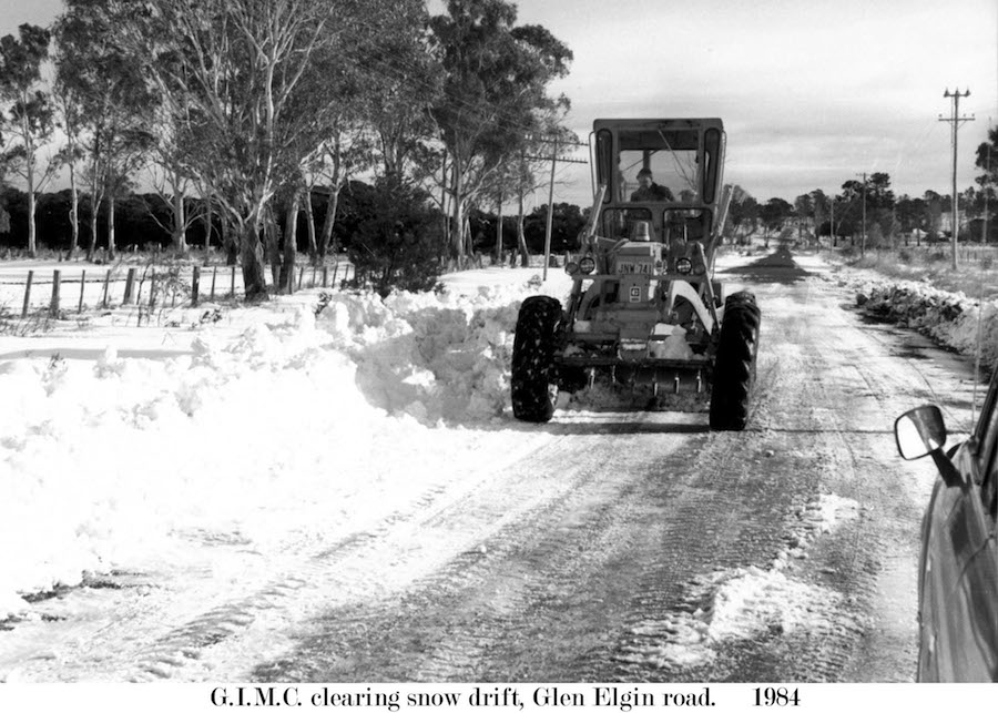 1984 Glen Elgin Rd Snow